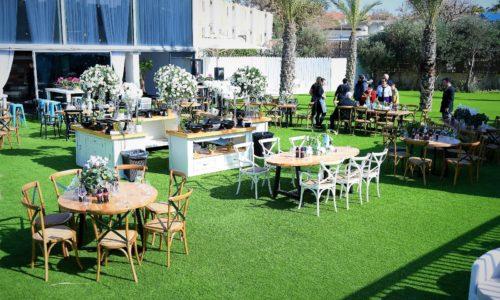 גן-ים אירוע על חוף ים התיכון- מדשאות ובר ופינות ישיבה