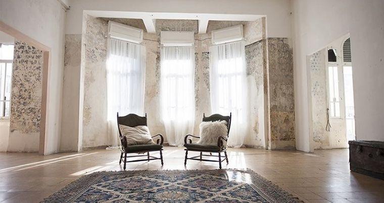 1910- חלל פנימי חדר בבית עתיק