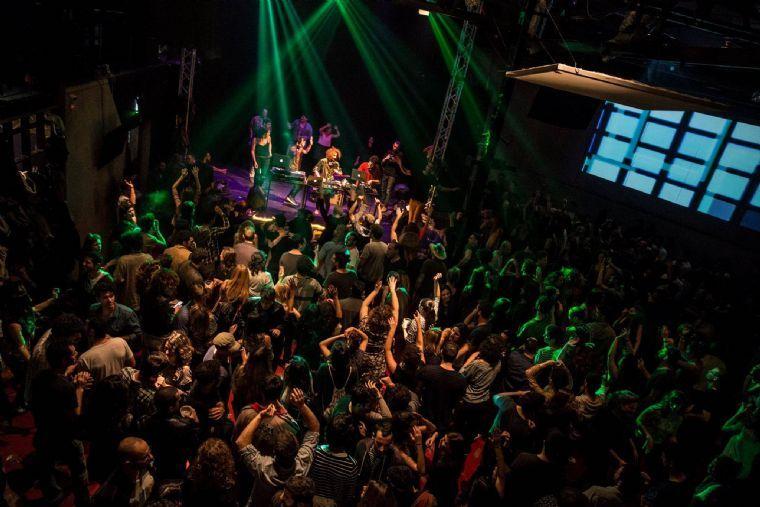 חלל אמנויות הבמה והאירועים- הופעות