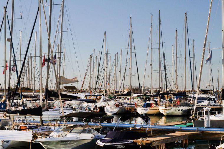 בני הדייג- נוף לים ונמל