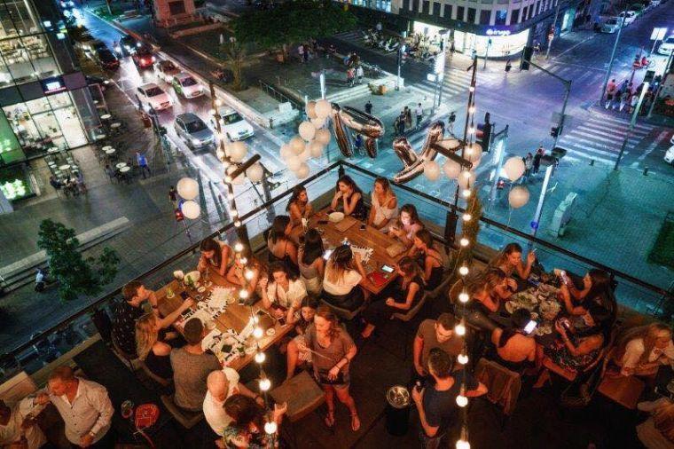 ספיקאיזי- מסיבה על גג
