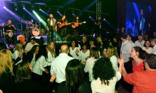 Shmulikim-עושים שמח ומסיבה