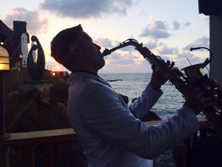 לימאני-נמל קיסריה- מסעדה לאירועים - הופעות, אווירה.