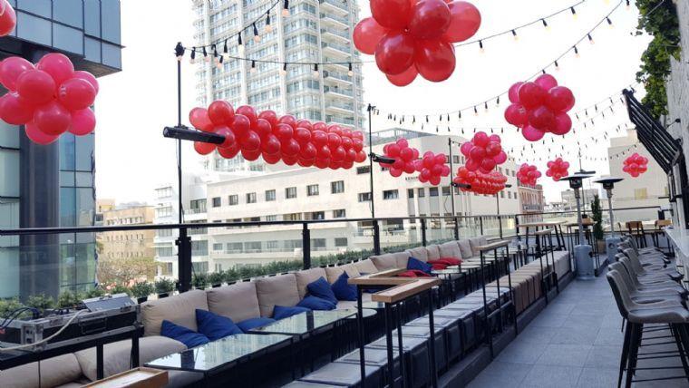 ספיקאיזי- נוף תל אביב פינות ישיבה על גג