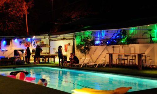 וילה בקדימה – בריכה מסיבה ומדשאות