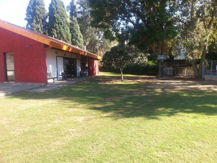 גן המשחק-מדשאות