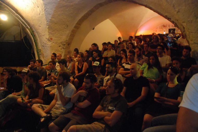 תאטרון יפו - ישיבת תאטרון והרצאות